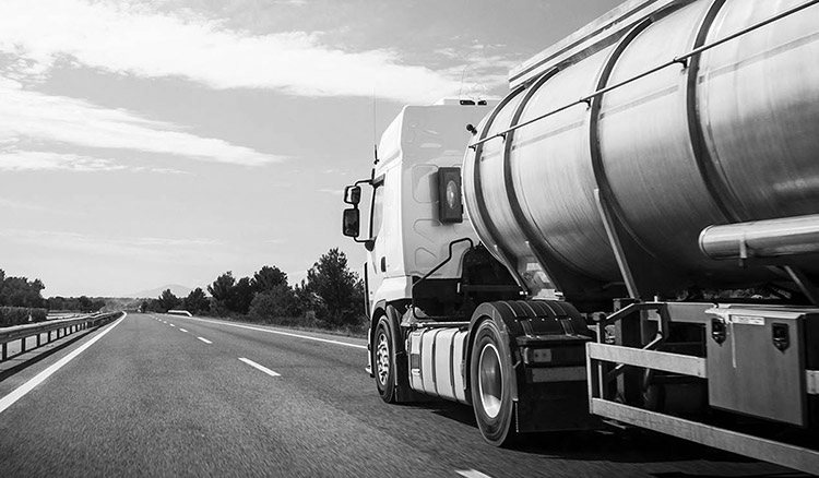 Commercial Vehicle insurance teaser image - black and white