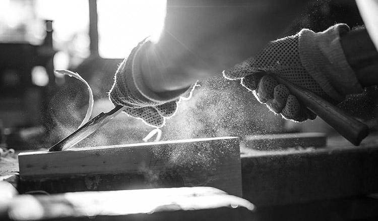 Tradesmen insurance teaser image - black and white